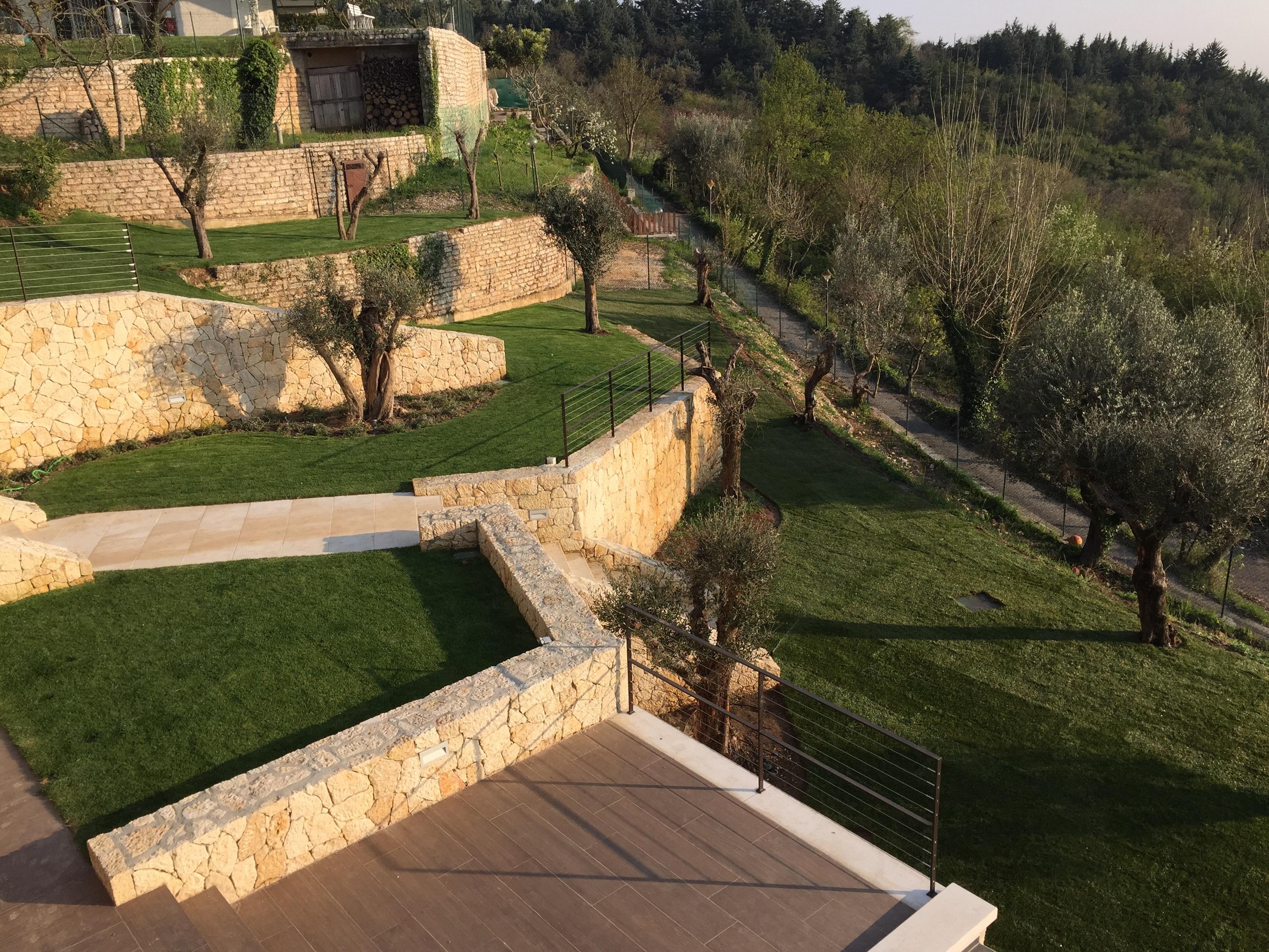 Realizzazione giardini verona casamia idea di immagine for Giardinieri verona
